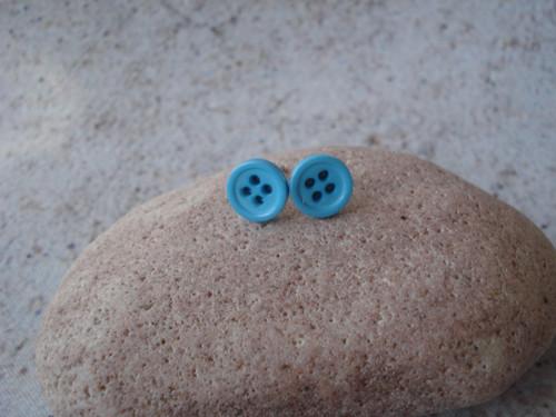Náušničky - svět je modrý knoflíček