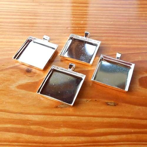 Lůžko Čtverec 25mm - Stříbrné