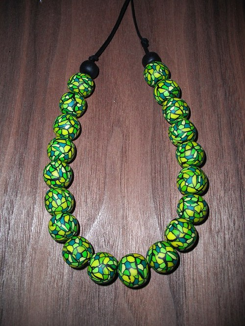 Korále žlutozelená mozaika
