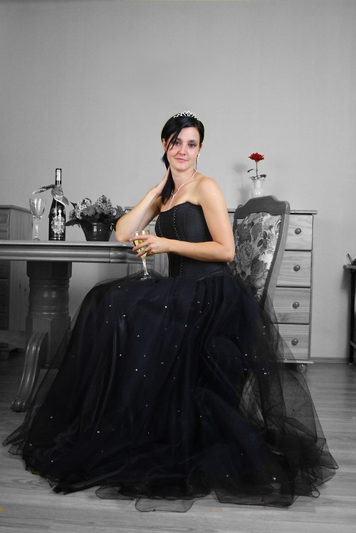 Dlouhá společenská tylová sukně černá