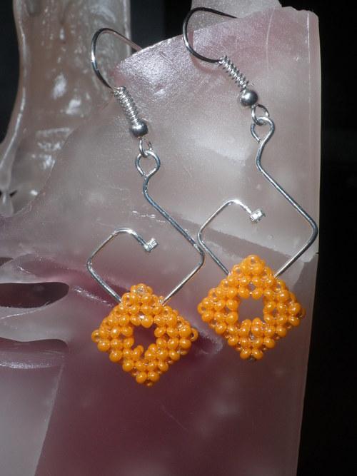 oranžové čtverce