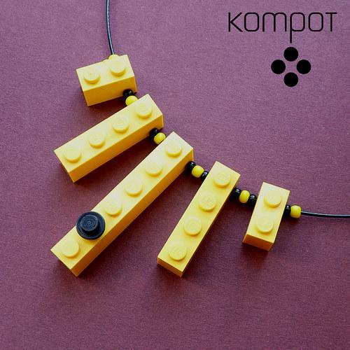LEGO NÁHRDELNÍK - žlutý