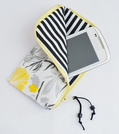 Obal na mobil na zip - Vlčí máky