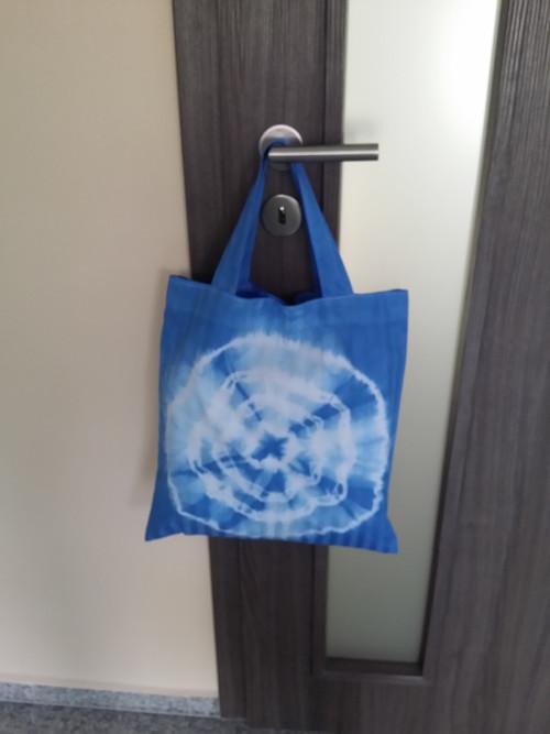 Batikovaná taška světe modrá- s kruhy