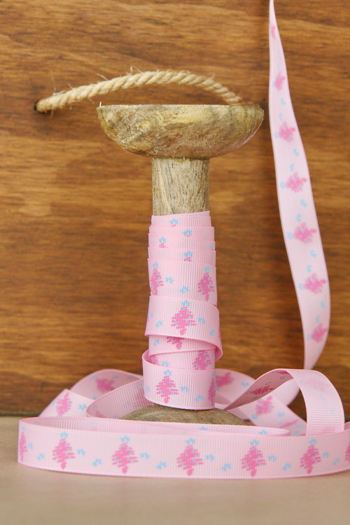 Stuha 16mm, stromečky a vločky na růžové