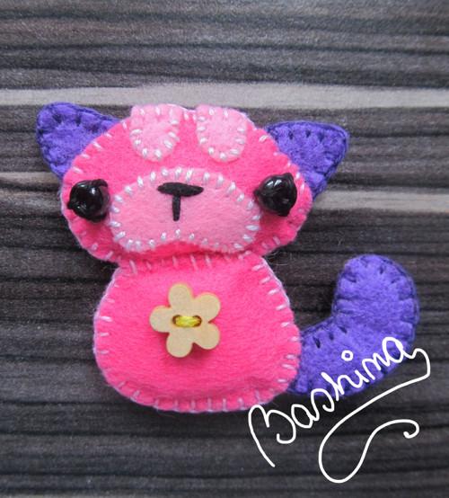 růžová kočka s kytičkou :)