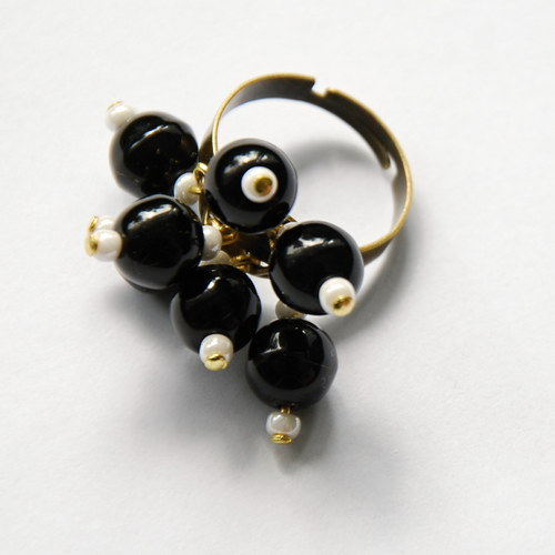 Černý prsten