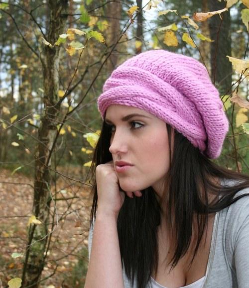 Luxusní pletený  baret s copanem