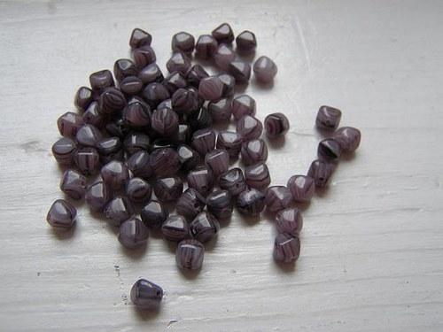 korálky mačkané pyramida fialová tmavá- 10g