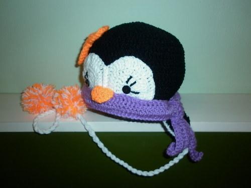 Háčkovaná čepička - tučňáček se šálkou