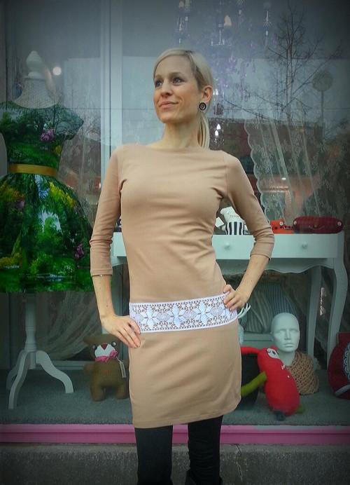 Šaty úpletové s krajkou - vel. S a M skladem