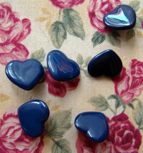 Srdíčkové knoflíky