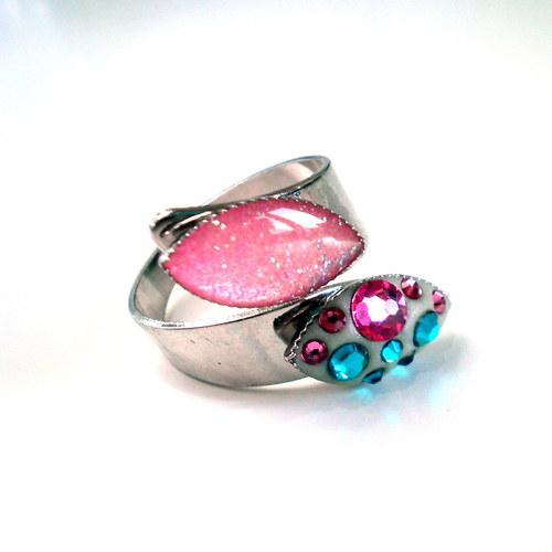 Prsten s šatony Swarovski