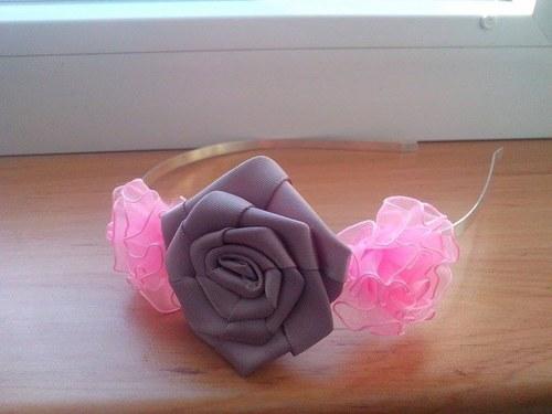 čelenka na kovu-růže a květy