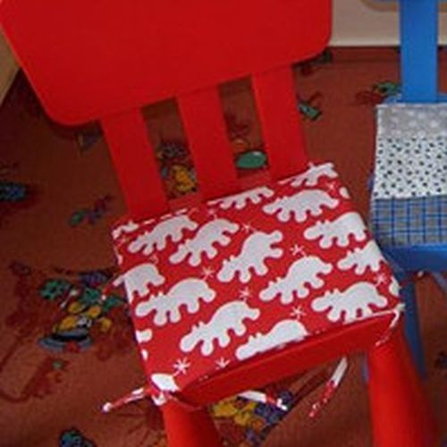 Podsedák červený na dětskou židličku veselý hrošík