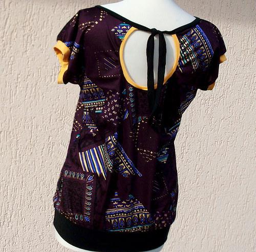 Tričko vzorované s vázačkou - sleva z 399,-