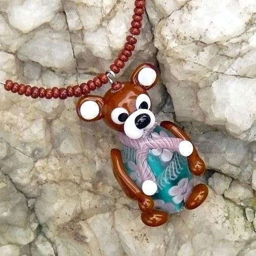 Medvěd v zeleném + (chirurgická ocel)