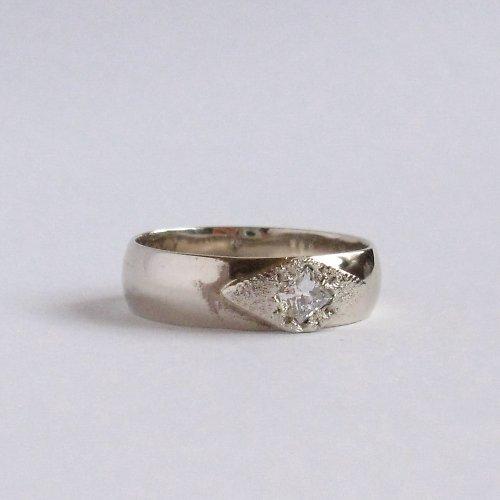 Velká hvězda (prsten; Au 585/1000;3,75g; briliant)