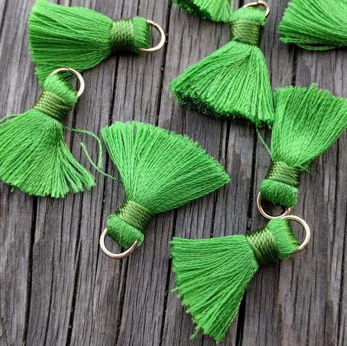 Luxusní ozdobné střapce - zelené, 2 kusy