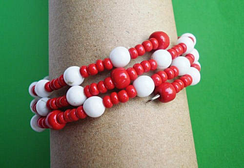 červená s bílou