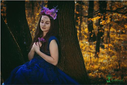 Květinová koruna zdobená lesními rohy
