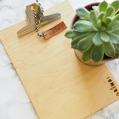 Dřevěná deska s klipem A5 - přírodní borovice