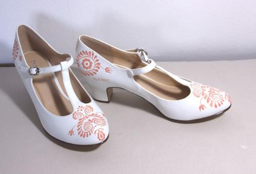 malování na vlastné boty
