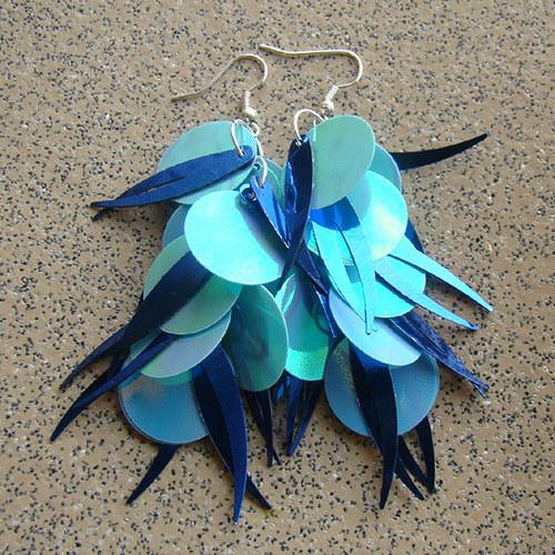 náušnice - flitrové modrotyrkysové střapce