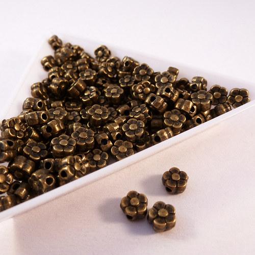 Kovové kytičky 5 mm starozlato 20  ks