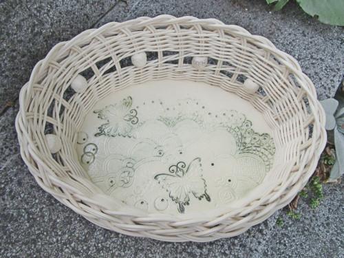 Košík na keramickém dně - Motýli na krajce