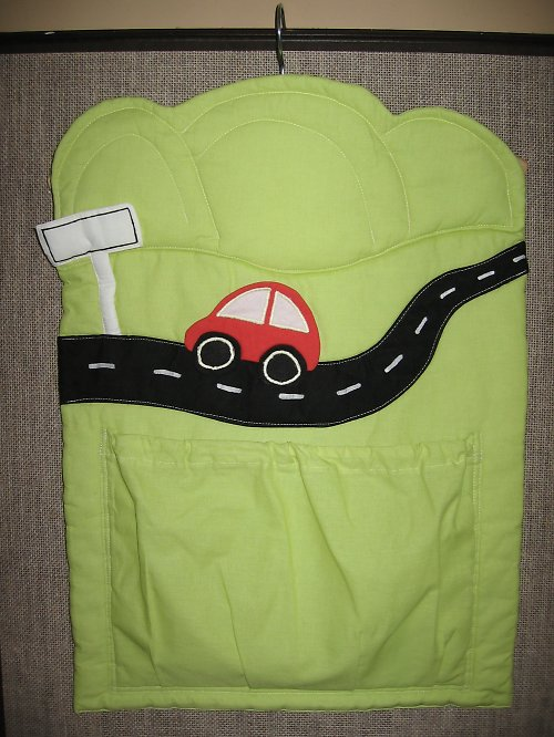 autíčkový kapsář - pyžamák