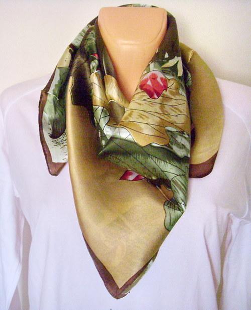 Velký hedvábný šátek----lotos