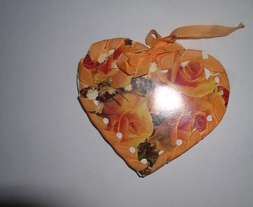 Oranžové srdíčko napiš přání-gratulaci