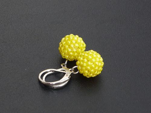 žluté kuličky