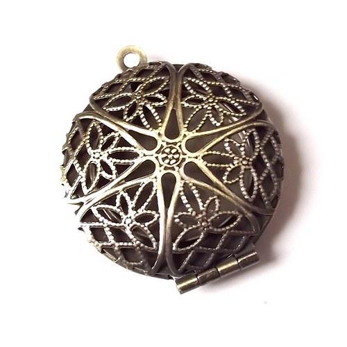 Staromosazný medailon s lůžkem - 32x28 mm