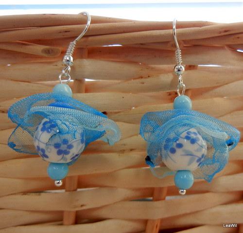 Modré porcelánové v závoji