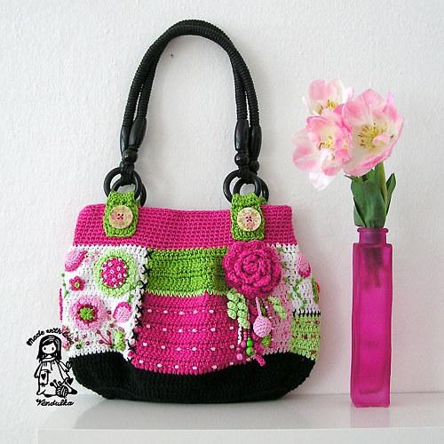 Květinová kabelka - návod na háčkování
