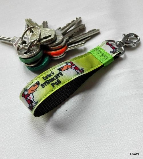 Klíčenka taft 2cm strakáč poutko sv. zelená HŽB