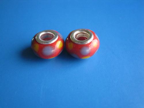 Korálky 2ks-červena s puntiky