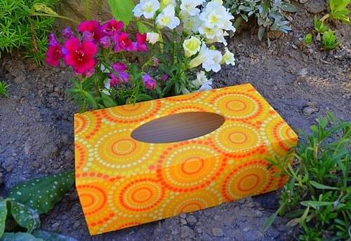 Krabička na kapesníky - oranžové kruhy