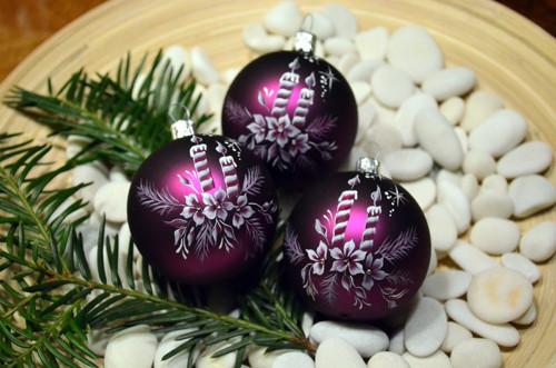 ručně malované vánoční baňky fialové,sada 6ks