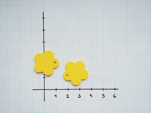 Dřevěné ramínko - žluté  (cena za 2 ks)