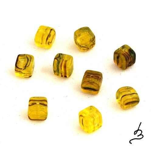 Žlutohnědé kostičky, 20 ks