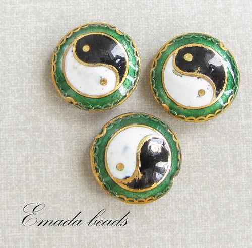 Cloisonne jing jang, smaragdová, 2 cm