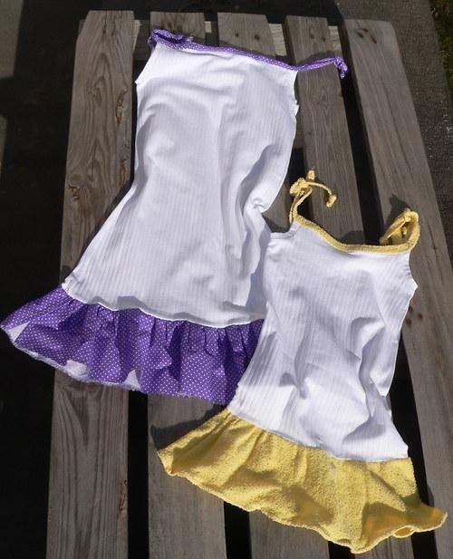 Úpletové šatečky s fialovým kanýrkem