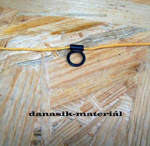ČERNÝ NALEPOVACÍ ZÁVĚS - PRÁZDNÝ KRUH 15 mm