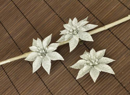Dekorační květina-stříbrná