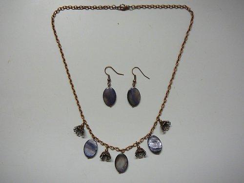 Náhrdelník s šedou perletí   SLEVA