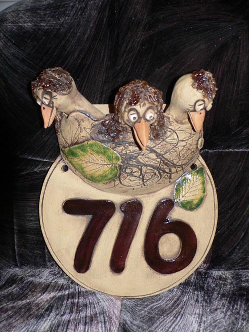 keramické kulaté číslo-hnízdo