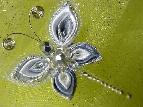 Kanzashi motýlková, stříbrná brož